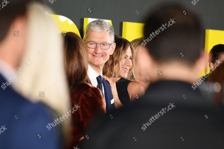 Tim Cook and Jennifer Aniston