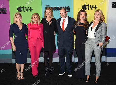 "Stock Picture of Kate Bolduan, Alisyn Camerota, Christine Romans, Brian Stelter, Robin Meade, Poppy Harlow. CNN news anchors, from left, Kate Bolduan, Alisyn Camerota, Christine Romans, Brian Stelter, Robin Meade and Poppy Harlow attends the world premiere of Apple TV+'s ""The Morning Show"" at David Geffen Hall at Lincoln Center on Monday, Oct. 28, in New York"