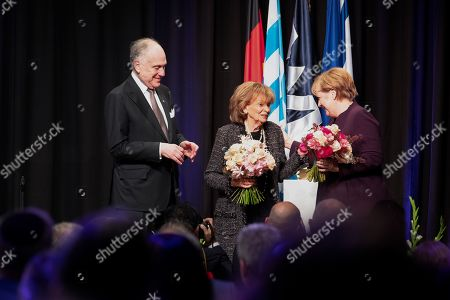 Ronald Lauder, president of the Jewish World Congress and Angela Merkel (CDU) with the presindent of the Jewish Community of Munich and Upper Bavaria CHarlotte Knobloch.  Angela Merkel was awarded with the Theodor-Herzl-Award by the Jewish World Congress in the Hubert-Burda-Saa. She got this prize for her commitment for Jewish life in Israel and Germany.