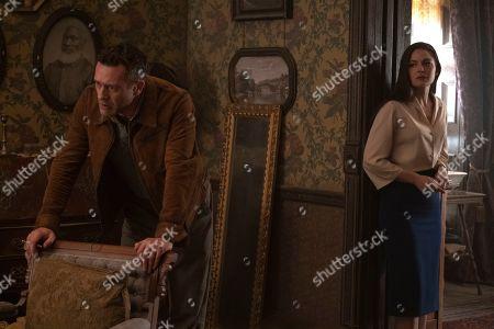 Jason O'Mara as Wyatt Price and Alexa Davalos as Juliana Crain