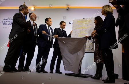Chief Rabbi of France Haim Korsia (L), French President Emmanuel Macron (C) and  President of the Central Jewish Consistory of Paris Joel Mergui (3-L) inaugurate a plaque at the the Centre Europeen Du Judaisme (European Judaism Center), in Paris, France, 29 October 2019.
