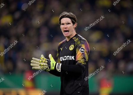 30.10.2019, Football DFB-Pokal 2019/2020, 2.round, Borussia Dortmund - Borussia Moenchengladbach, Signal-Iduna-Park-stadium Dortmund, goalkeeper Marvin Hitz (Dortmund)