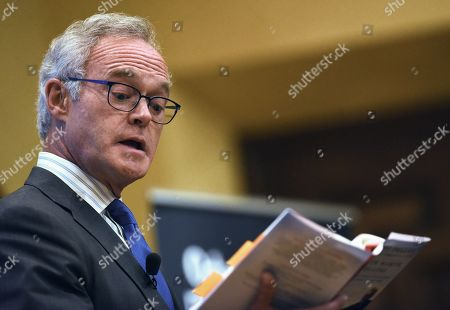 CBS News journalist and author Scott Pelley