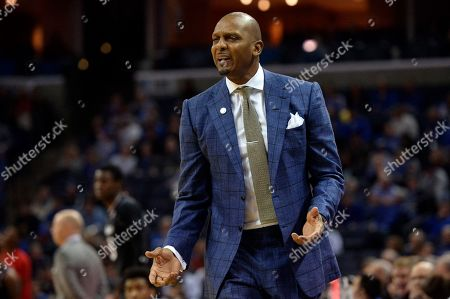 Memphis coach Penny Hardaway reacts during the first half of the team's NCAA college basketball game against Cincinnati in Memphis, Tenn. Hardaway went 22-14 and led the Tigers to an NIT berth in his debut season, but his biggest wins came off the court and on the recruiting trail. Memphis is ranked 14th to start the season and is expected to contend for its first NCAA Tournament berth since 2014. Memphis has the highest preseason ranking of any team that failed to reach the NCAA Tournament last season
