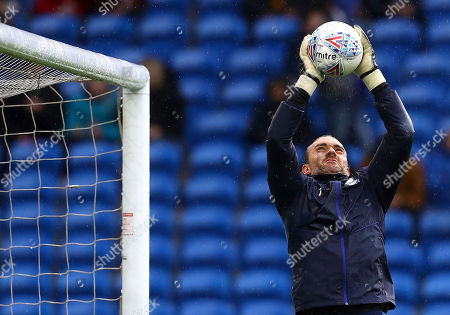 Lee Camp of Birmingham City warms up