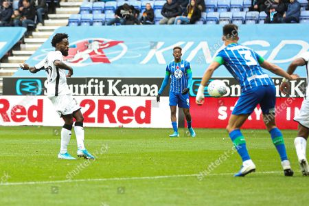 Nathan Dyer of Swansea City scoring the 1st goal
