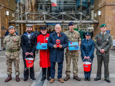Ross Kemp Launches London Poppy Day 2019 with Chelsea Pensioner Colin Thackery (winner of Britains got Talent 2019) and Magician Corporal of the Horse Richard Jones (2016 Britain?s Got Talent winner) and other service men and women on Liverpool Street Station, central concourse - 2000 service personnel join forces with veterans, volunteers and celebrities in an attempt to raise £1m in a single day for The Royal British Legion during London Poppy Day.