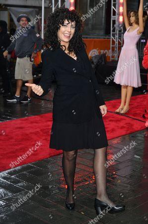 Dylan Dreyer as Elaine from Seinfeld