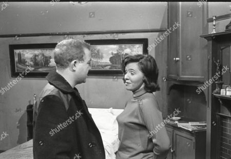 Graham Haberfield (as Jerry Booth) and Eileen Mayers (as Sheila Birtles)