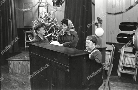 Margot Bryant (as Minnie Caldwell), Ruth Holden as Vera Lomax and Violet Carson (as Ena Sharples)