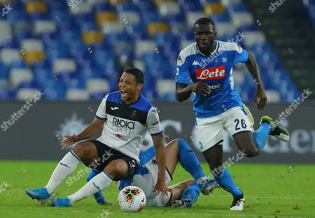Atalanta's Colombian forward Luis Muriel cries out as fighting with Napoli's Senegalese defender Kalidou Koulibaly