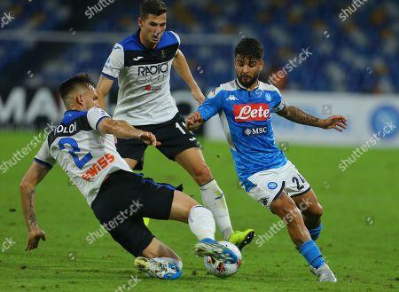 Napoli's Italian striker Lorenzo Insigne (R) fights for the ball with Atalanta's Brazilian defender Rafael Toloi (L) and Atalanta's Swiss midfielder Remo Freuler