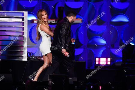 Enrique Santos and Jennifer Lopez