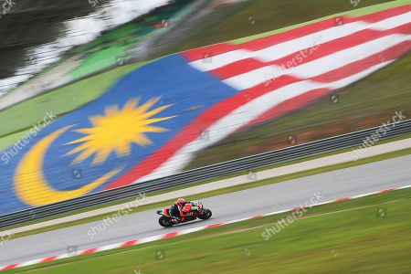 Spanish MotoGP rider Aleix Espargaro of Aprilia Racing Team Gresini in action during the free practice of the Motorcycling Grand Prix of Malaysia 2019 in Sepang International Circuit, outside Kuala Lumpur, Malaysia, 01 November 2019. The 2019 Malaysia Motorcycling Grand Prix will take place on 03 November.