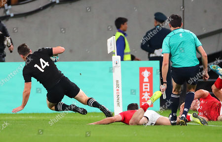 New Zealand vs Wales. New Zealand's Ben Smith scores their fourth try