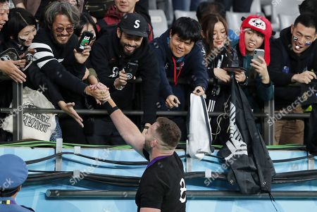 New Zealand captain Kieran Read (C) greets supporters after the Rugby World Cup Bronze Final match between New Zealand and Wales at the Tokyo Stadium, Tokyo, Japan, 01 November 2019.