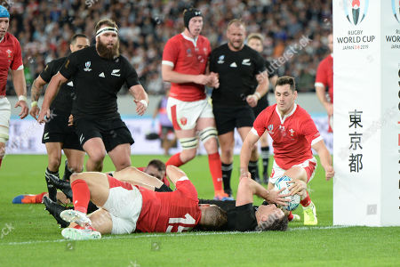 Ben Smith of New Zealand scores his first try during the 2019 Rugby World Cup Bronze Final match between New Zealand and Wales at the Tokyo Stadium in Tokyo, Japan.