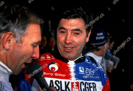 Sean Kelly retirement race 1994 Carrick on Suir, Ireland. Phil Liggett (GBr) in cycling clothing interviews Eddy Merckx (Belg) the worlds greatest ever racing cyclist. Both rode in the retirement race which for the most part was a 'sportif ' and then the last 30 miles were flat out Winner was Sean Kelly (Ire)