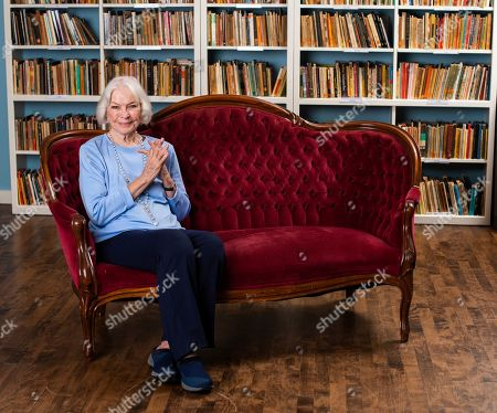 This photo shows actress Ellen Burstyn posing for a portrait in the Paul Newman Library of the Actors Studio in New York, where she serves as a co-resident of the Actor's Studio with fellow actors Al Pacino and Alec Baldwin