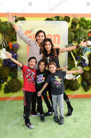 Forrest Kolb, Patricia Manterola and children
