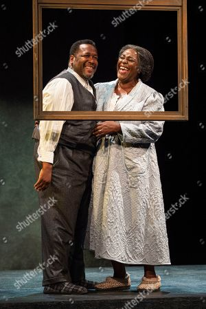 Wendell Pierce (Willy Loman) and Sharon D Clarke (Linda Loman)