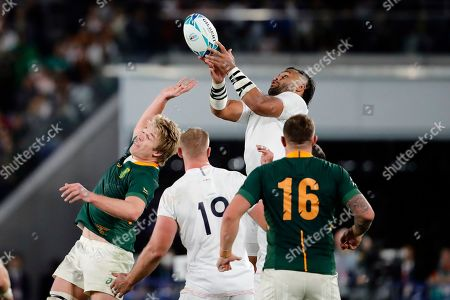 England's Billy Vunipola catches the ball during the Rugby World Cup final at International Yokohama Stadium between England and South Africa in Yokohama, Japan