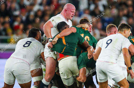 England vs South Africa. England's Dan Cole in a rolling maul