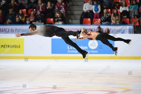Ashley Cain-Gribble & Timothy Leduc, from USA, during Short Program, in Pairs, at ISU Grand Prix of Figure Skating at Patinoire Polesud.