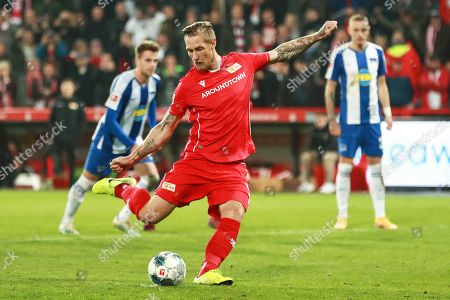 Union's Sebastian Polter scores the 1-0 lead from the penalty spot during the German Bundesliga soccer match between FC Union Berlin and Hertha BSC in Berlin, Germany, 02 November 2019.