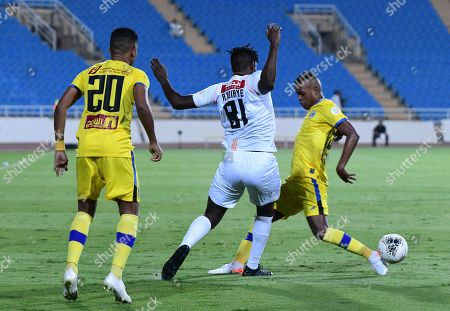 Al- Shabab player Alfred N'Diaye  (R) in action against Al-Taawoun player Heldon Augusto (L) during the Saudi Professional League soccer match between Al-shabab and Al-Taawoun at king Abdullah sport city Stadium, Al-Buraidah, Saudi Arabia, 02 November 2019.