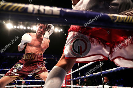 Anthony Crolla vs Frank Urquiaga. Anthony Crolla