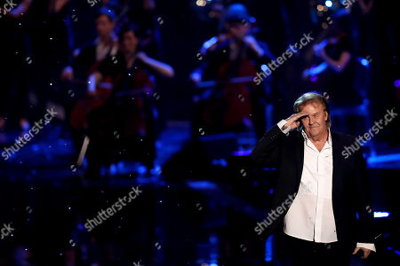 Howard Carpendale reacts during the TV show 'Schlagerbooom 2019 - Alles funkelt! Alles glitzert!' (lit.: Hit Booom 2019 - everything sparkles, everything glitters) at the Westfalenhalle in Dortmund, Germany, 02 November 2019.