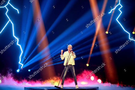 Stock Image of Matthias Reim performs during the TV show 'Schlagerbooom 2019 - Alles funkelt! Alles glitzert!' (lit.: Hit Booom 2019 - everything sparkles, everything glitters) at the Westfalenhalle in Dortmund, Germany, 02 November 2019.