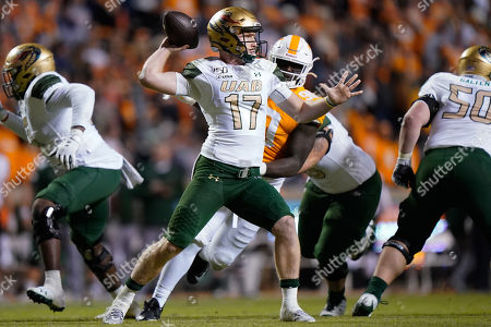 Tyler Johnston III #17 of the UAB Blazers prepares to throw the ball during the NCAA football game between the University of Tennessee Volunteers and the University of Alabama at Birmingham Blazers in Knoxville, TN Tim Gangloff/CSM