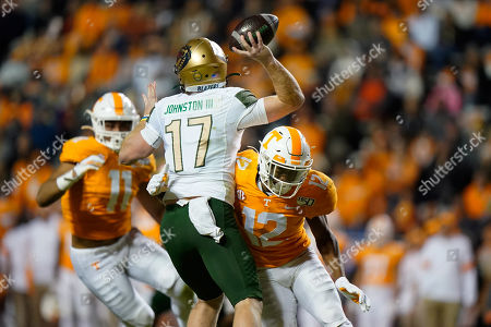 Shawn Shamburger #12 of the Tennessee Volunteers attempts to sack Tyler Johnston III #17 of the UAB Blazers during the NCAA football game between the University of Tennessee Volunteers and the University of Alabama at Birmingham Blazers in Knoxville, TN Tim Gangloff/CSM