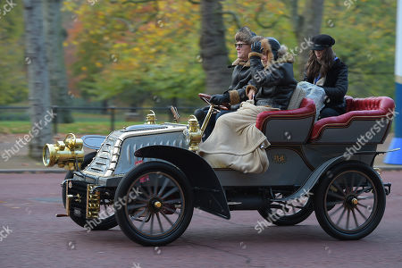 1902 Westfield driven along the Mall by John Caudwell