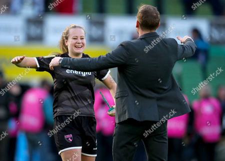 Peamount United vs Wexford Youths WFC. Wexford Youths' Lauren Kelly celebrates with manager Tom Elems after the game