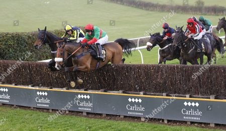 Two For Gold and David Bass lead all the way to win the Gordon Richards Novices' Limited Handicap Chase at Carlisle.