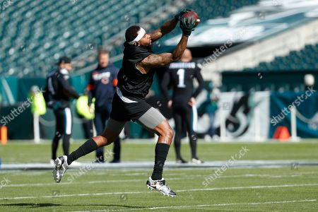 Philadelphia Eagles' DeSean Jackson warms up before an NFL football game against the Chicago Bears, in Philadelphia