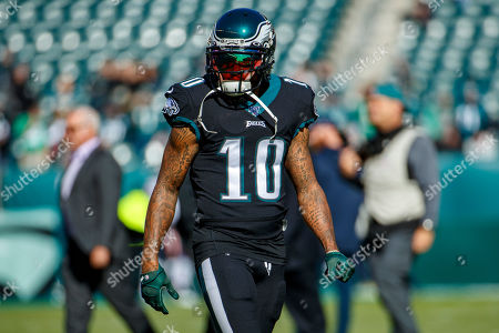 Philadelphia Eagles wide receiver DeSean Jackson (10) looks on prior to the the NFL football game against the Chicago Bears, in Philadelphia. The Eagles won 22-14