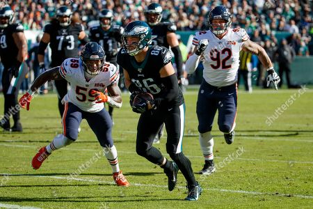 Stock Image of Philadelphia Eagles tight end Zach Ertz (86) in action against Chicago Bears inside linebacker Danny Trevathan (59) and defensive end Brent Urban (92) during the the NFL football game, in Philadelphia. The Eagles won 22-14