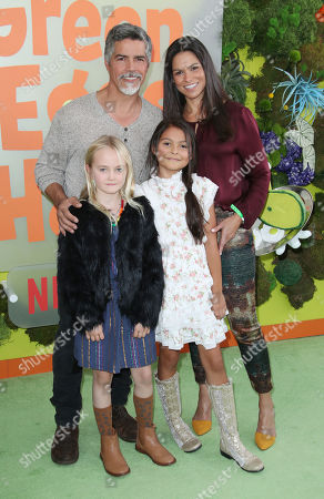 Esai Morales and family