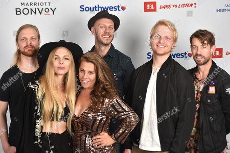 Delta Rae - Ian Holljes, Brittany Holljes, Elizabeth Hopkins, Mike McKee, Eric Holljes and Grant Emerson