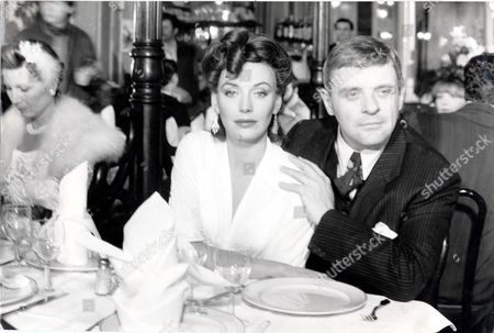 Stock Image of Television Programme 'arch Of Triumph' 1984 Leseley Anne Down Who Plays The Part Which Ingrid Bergman Played And Anthony Hopkins Who Plays The Part Which Was Played By Charles Boyer - Scenes Around The Norte Dame And The Restaurant In The Montmarte Area.
