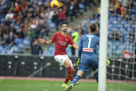 Javier Pastore (AS ROMA), Alex Meret (Napoli) in action