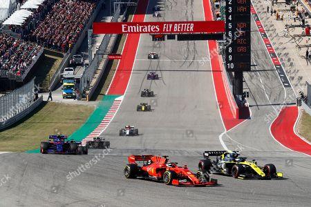 Motorsports: FIA Formula One World Championship 2019, Grand Prix of United States,  #5 Sebastian Vettel (GER, Scuderia Ferrari Mission Winnow), #3 Daniel Ricciardo (AUS, Renault F1 Team),