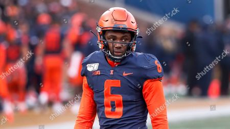 Illinois defensive back Tony Adams sets up on defense during the second half of an NCAA college football game against Rutgers, in Champaign, Ill