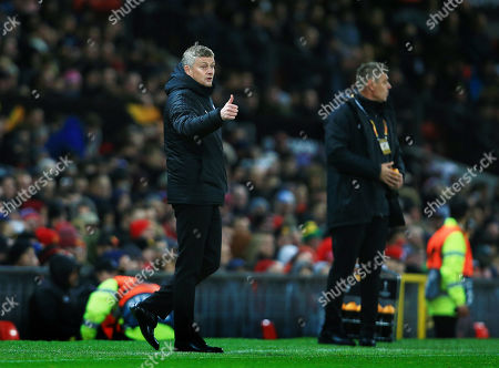 Manchester United manager Ole Gunnar Solskjaer gives a thumbs up