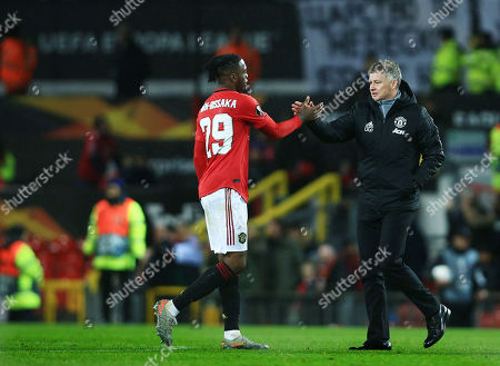 Manchester United manager Ole Gunnar Solskjaer with Aaron Wan-Bissaka at the end of the game