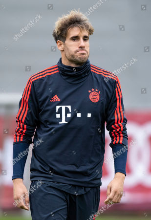 Bayern's Javi Martinez attends a training session at the Club's training ground in Munich, Germany, 05 November 2019. Bayern Munich will face Olympiacos Piraeus? in their UEFA Champions League group B soccer match on 06 November 2019.